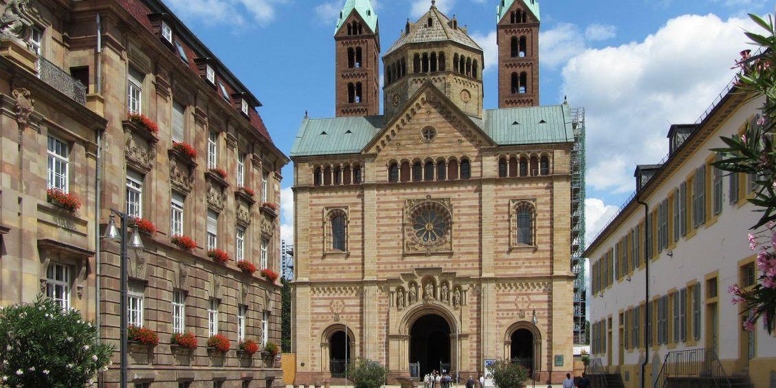 Blick auf den Dom zu Speyer Rosel Eckstein/pixelio.de
